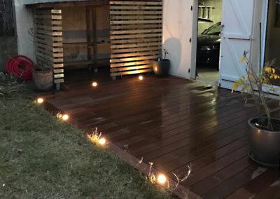 Jardidéal PAYSAGISTE, Nantes : création d'un éclairage sur une terrasse en IPE