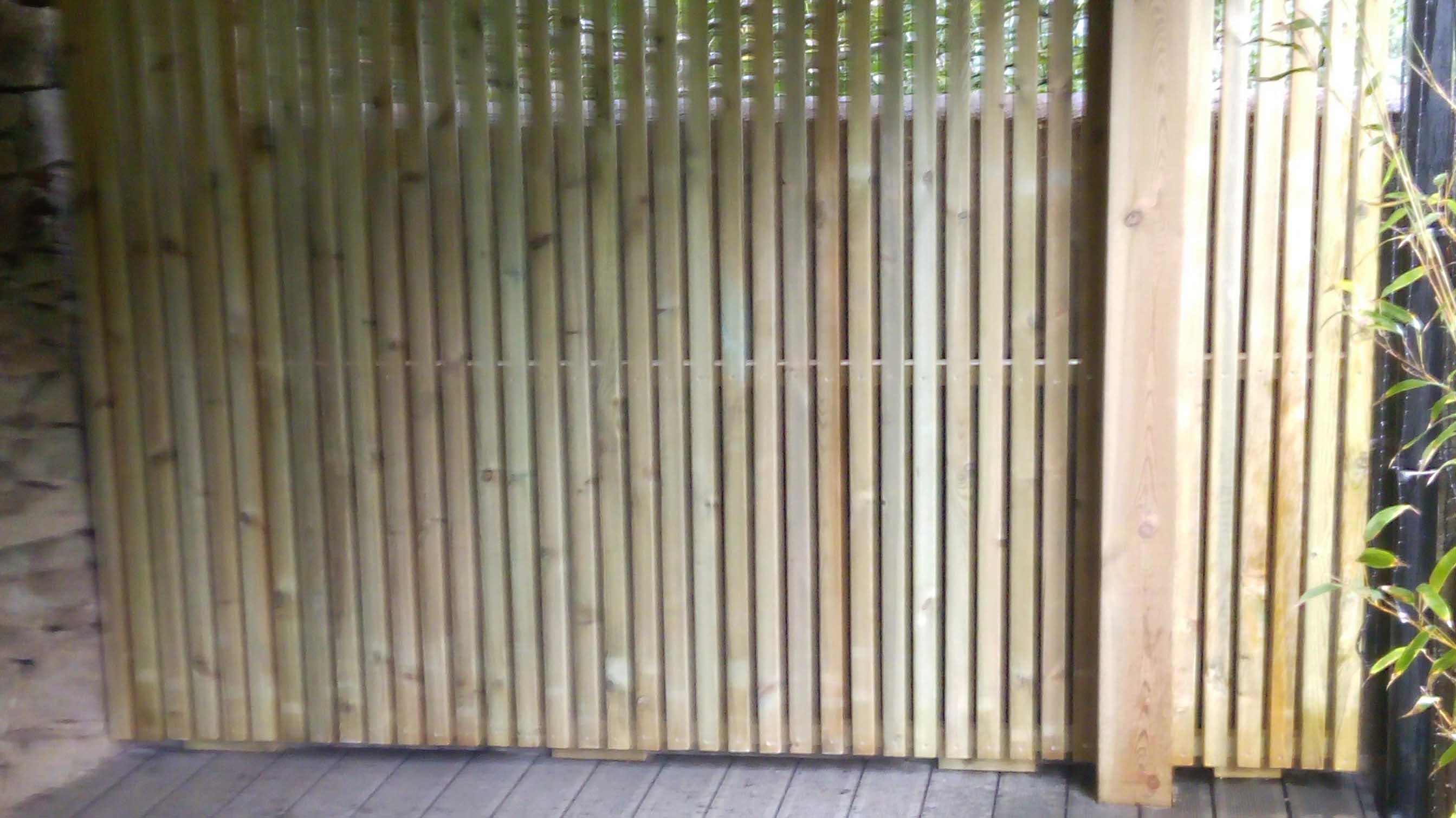Jardidéal Paysagiste, Panneau en bois sur mesure en liteaux de pin traité
