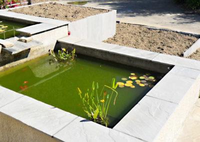 Jardidéal PAYSAGISTE, aménagement de jardin à Nantes et Saint Nazaire : Habillage bassin en dalle de grès gris